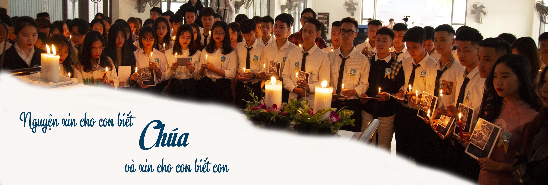 Sinh viên cầu nguyện