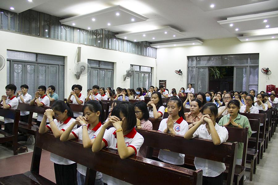 Gia đình sinh viên công giáo Y Dược- có được bán thuốc tránh thai hay không?