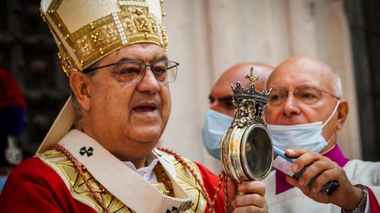 Máu thánh Januarius hóa lỏng
